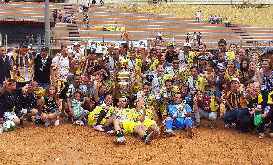 Vira Copos na conquista do título da Copa Pirituba, em 2012 (foto: Reprodução / Facebook)